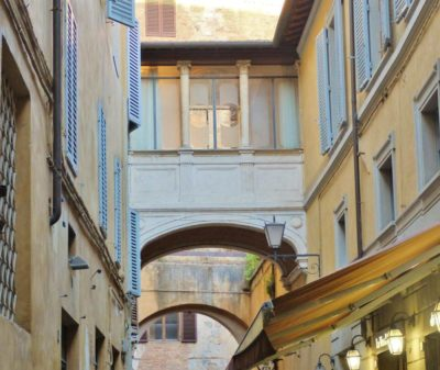 Siena for lovers: a romantic guide to the city