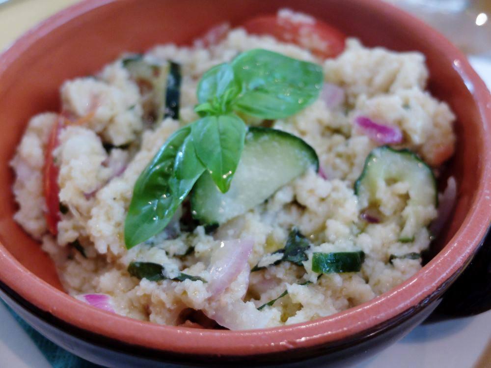 "A famous dish in Tuscany ""Panzanella"""