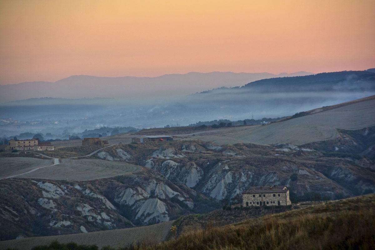 Sunrise near Asciano | Photo Antonio Cinotti