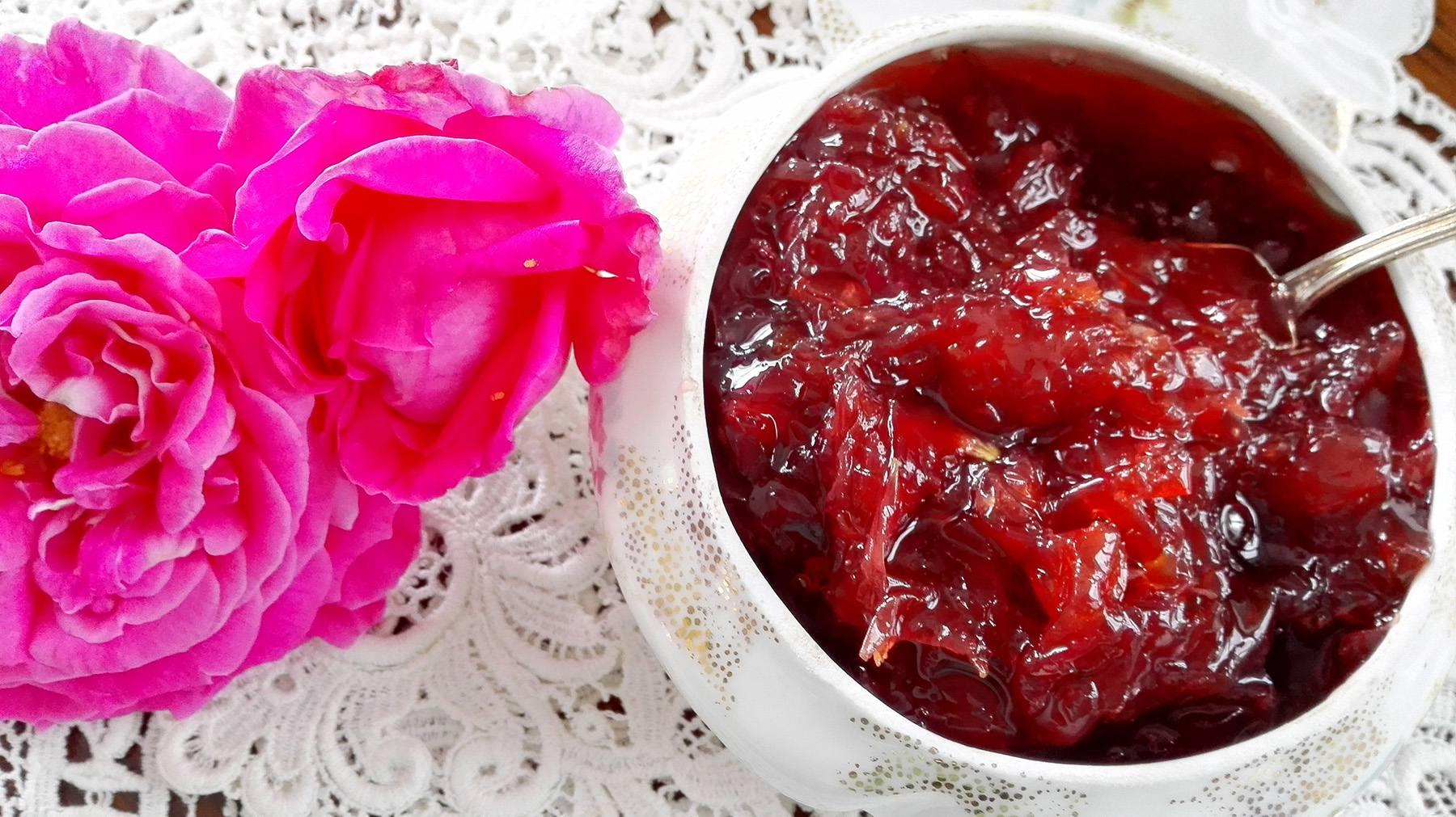 Marmellata di Rose Antiche | Ph. lamaggioranapersa.com