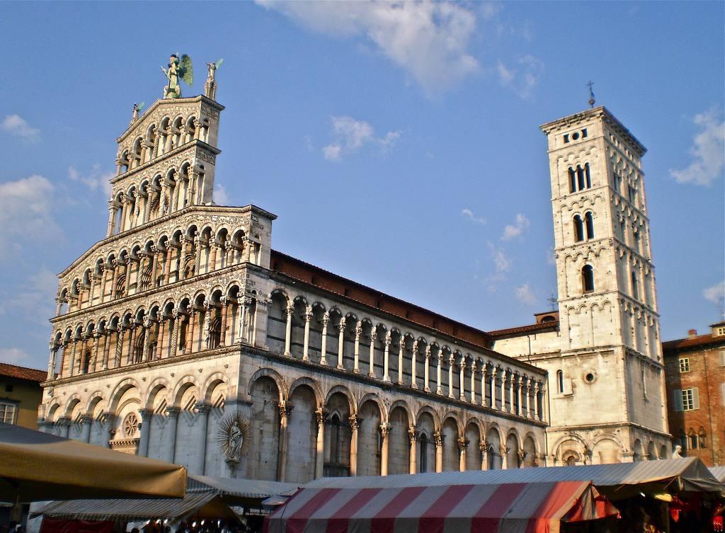 Visit Siena or Lucca_Dievole