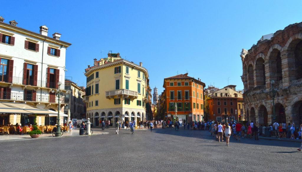 Piazza Bra, Verona, Italy | Photo S. Alexander Gilmour
