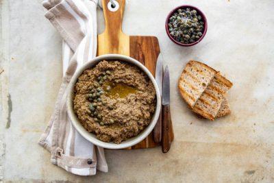 Crostini Toscani: la ricetta classica con il vin santo