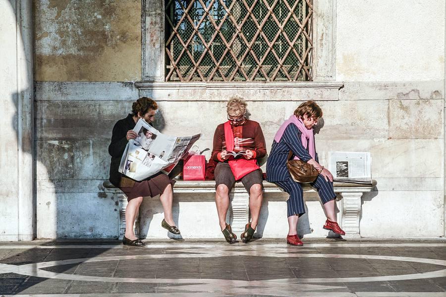 Ladies reading mid-day