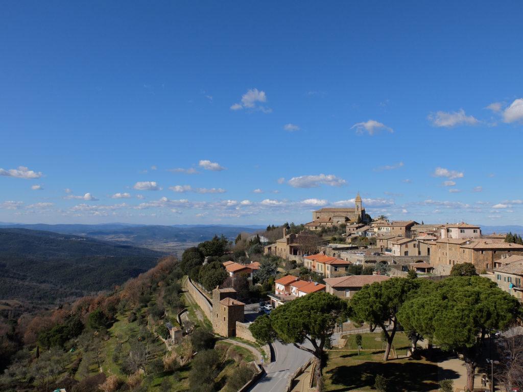 Una vista di Montalcino in tutta la sua bellezza