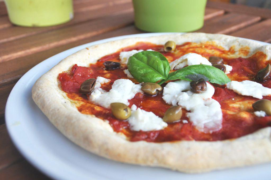 Una pizza senza glutine - Prelibatezze e pasta senza glutine in Italia