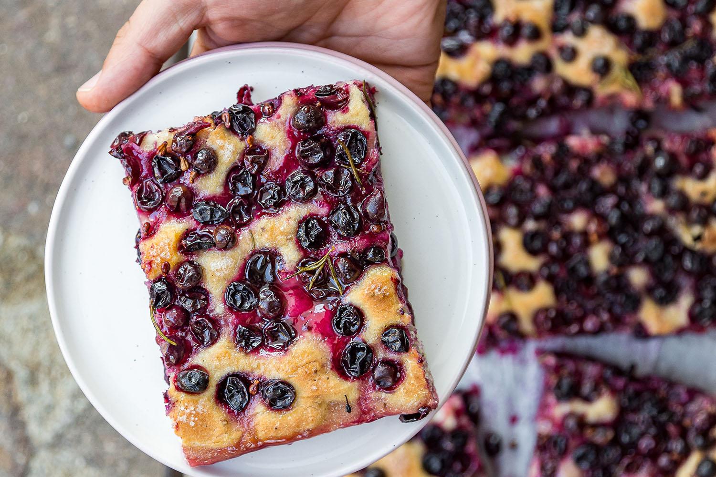 Schiacciata con l'uva: a sweet Tuscan bread for harvest season